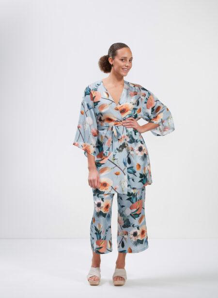 Uhana - Imagination Kimono & Serene Housut, Better Days Light Blue